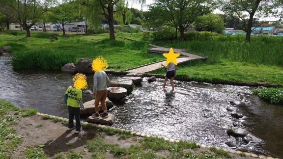 野々下水辺公園(小川)