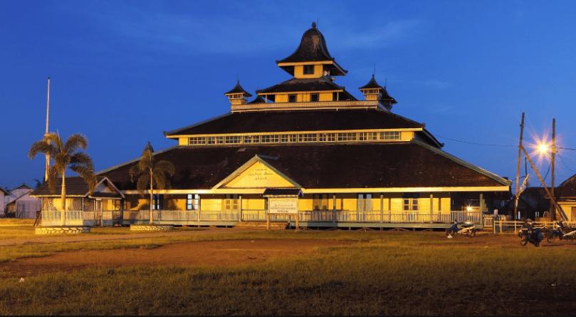 masjid jami sultan syarif abdurrahman kerajaan ternate