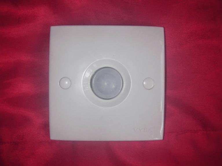 sensor lampu otomatis