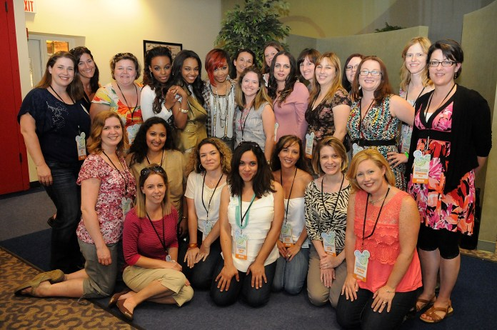 Mommy bloggers With McClain Sisters
