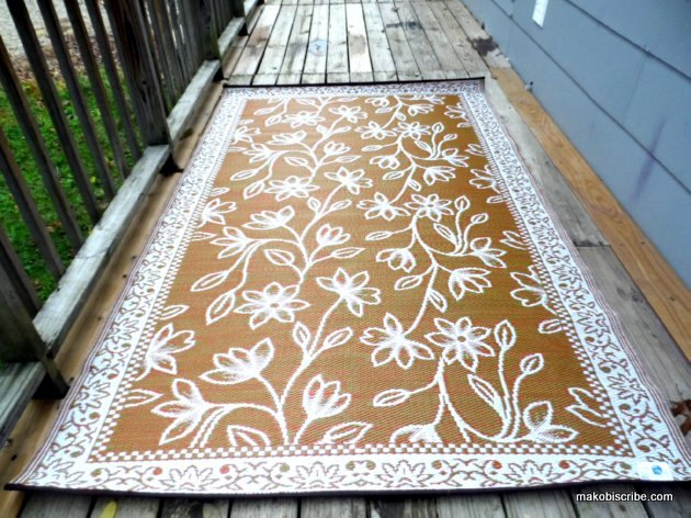 Clever Ideas For Dressing Up A Deck