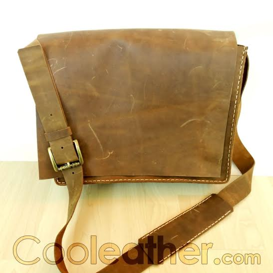 Four Essential Leather Fall Fashion Accessories