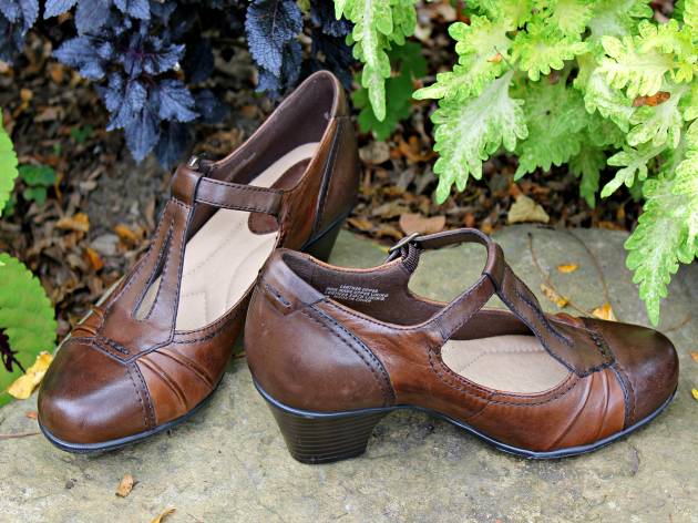 Shoes For Women: Sacrificing Style Over Comfort? #EarthFootwear