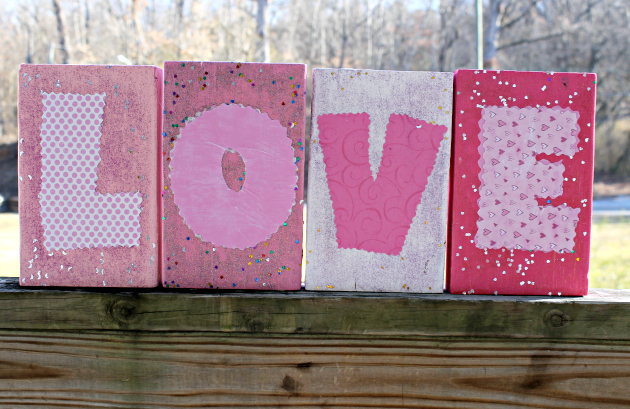 Valentine Craft: DIY Love Blocks