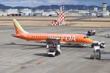 名古屋飛行場の旅客機01