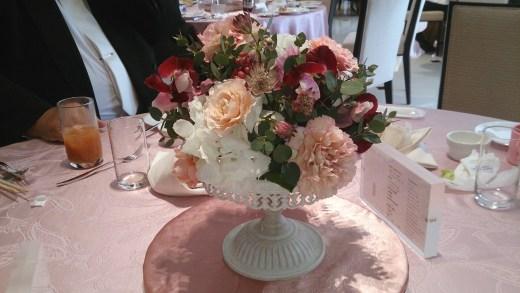 結婚式場の来賓者テーブル