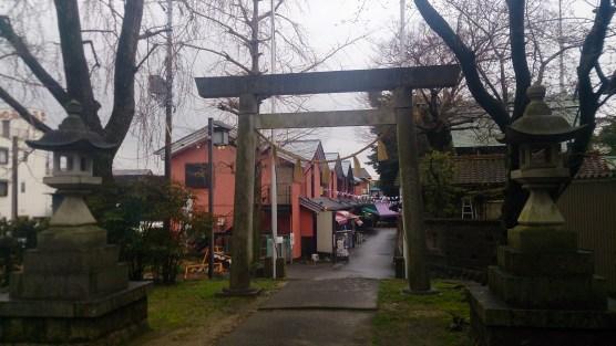千代保の隣の神社の鳥居