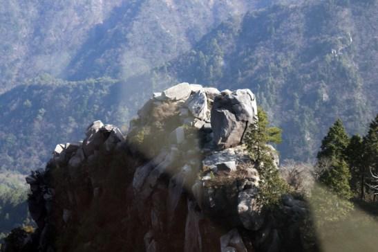 御在所17の帰りのロープから見えた奇岩01