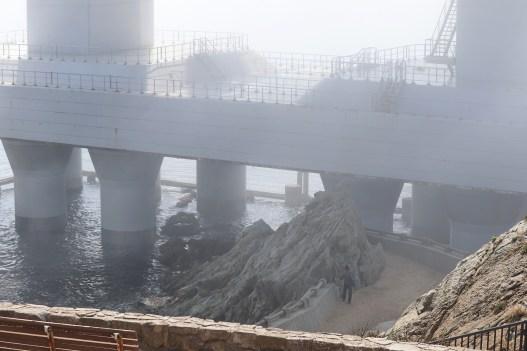 道の駅うずしお34の濃霧の大鳴門橋の下部