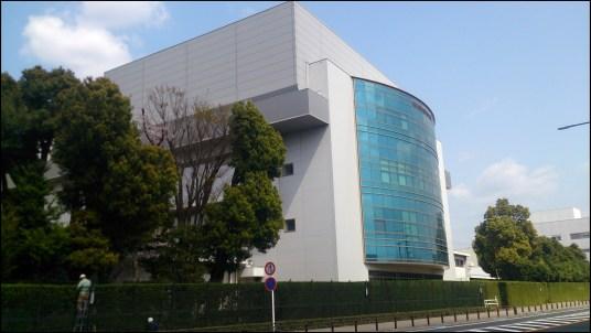 トヨタ12の本社敷地内の建物2