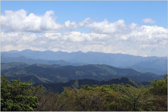 茶臼山2の1-3高原からの山々