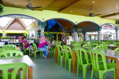 Salang Indah Resort の大型レストラン