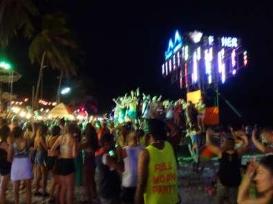 パンガン島のフルムーンパーティー 5月21日2016