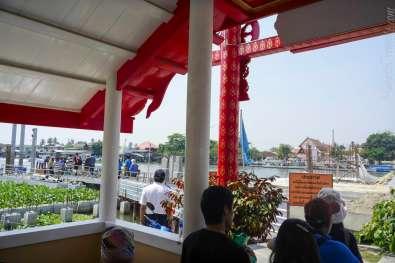 Koh Kret boat landing