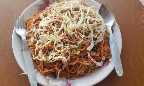 Beni の豆入り焼きそば Rihana Thakali Kitchen