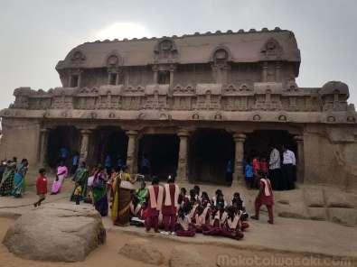 パンチャ・ラタ Pancha Rathas 一枚岩の刳り貫き彫像