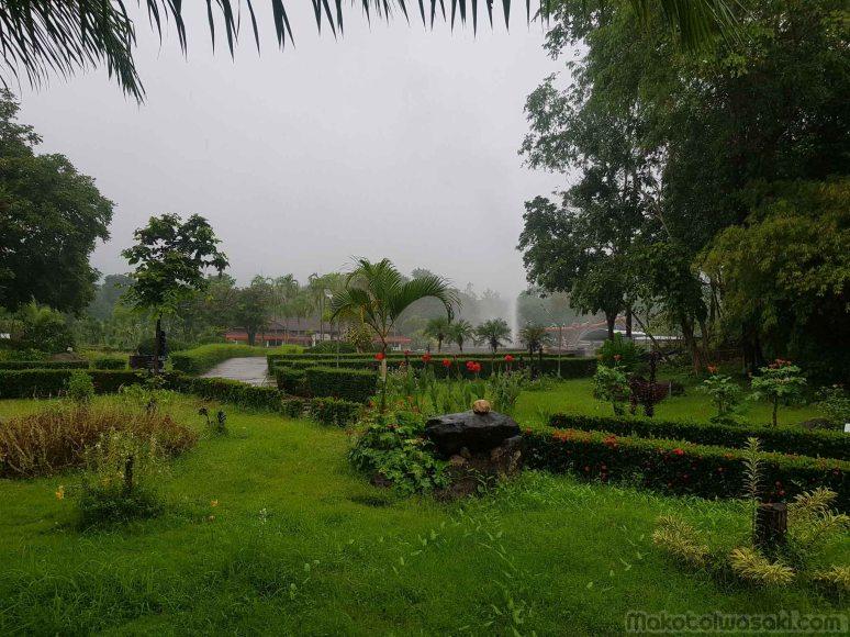 雨朝のメーチャン、パトゥン温泉