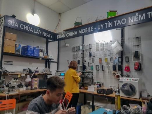スマホの割れガラス修理はベトナムが安い! 6300円