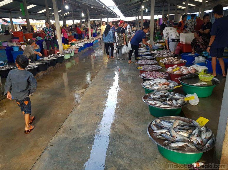 海鮮市場 Pakdee New Market