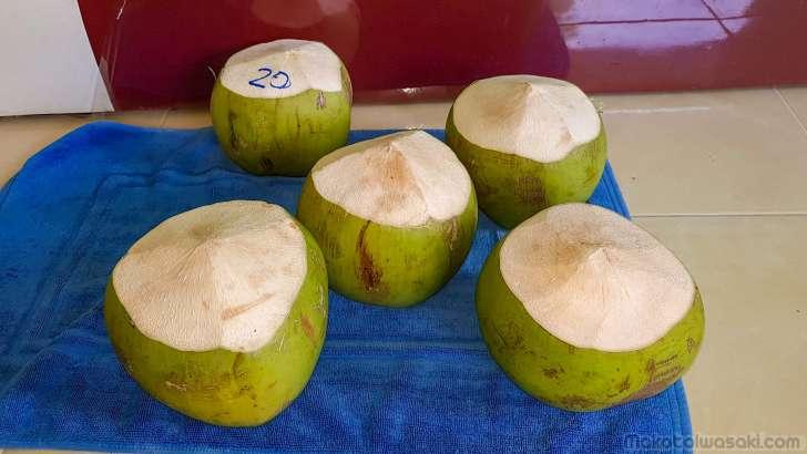 ココナッツ生活。一個15~20฿