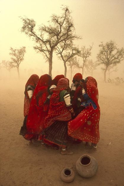Steve McCurry,INDIA. Rajasthan. 1983. Dust storm.