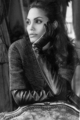 Angelina-Jolie-18
