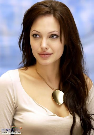 Angelina-Jolie-39