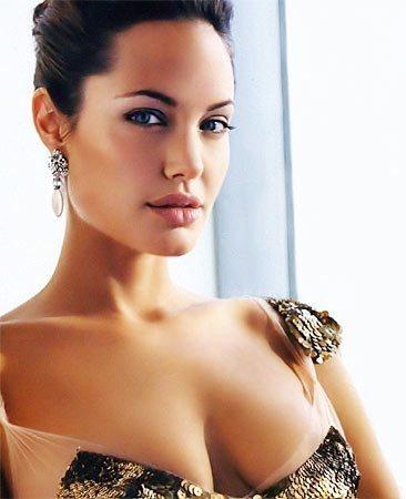 Angelina-Jolie-63