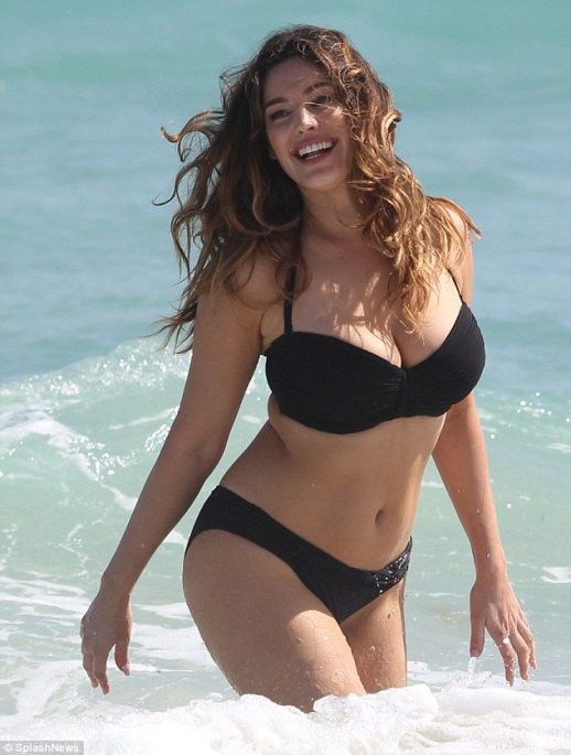 Kelly-Brook-251