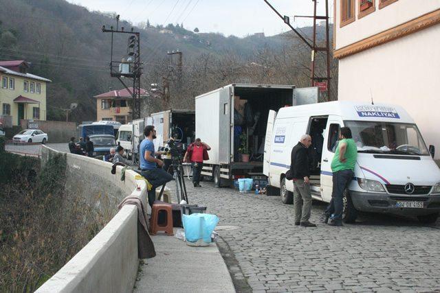 Yagmur-Kiyamet-Cicegi-2014-filmi-13