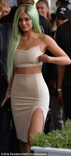 Kylie-Jenner-Photo-27
