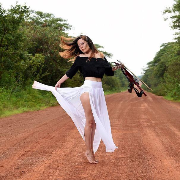 Caitlin-De-Ville-New-Photos-Yeni-Fotograflari-15