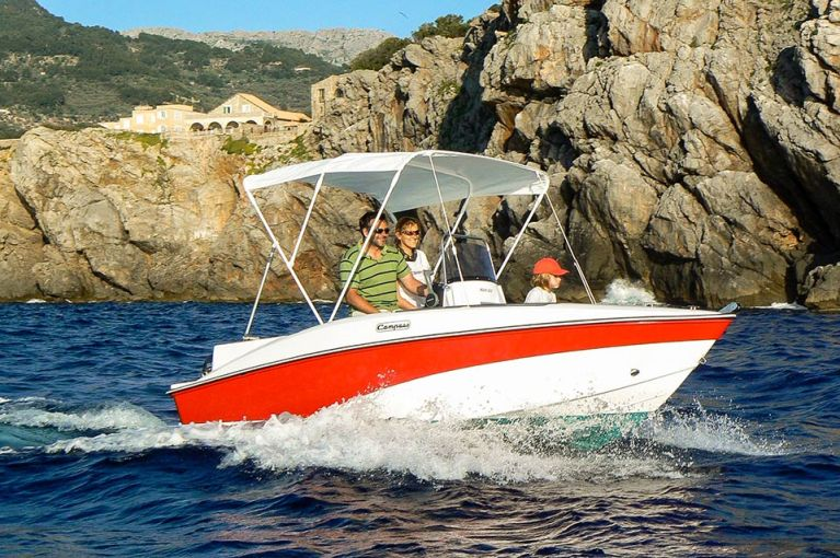 boat charter without licence port soller