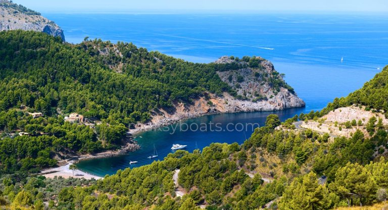 Alquiler de Barcos Cala Tuent Mallorca MaksyBoats