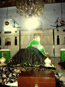 Grave of Khwaja Muhammad Masoom Sirhindi 1