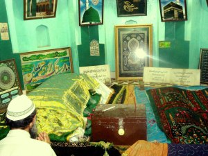 The blessed graves of Imam Rabbani Mujaddid Alf-i Sani (left) and his eldest son Khwaja Muhammad Sadiq (right).