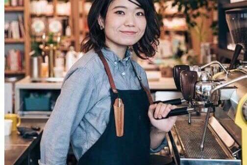 プレゼンター2<BR>Cart stand PON  オーナーバリスタ  荒川美幸さん