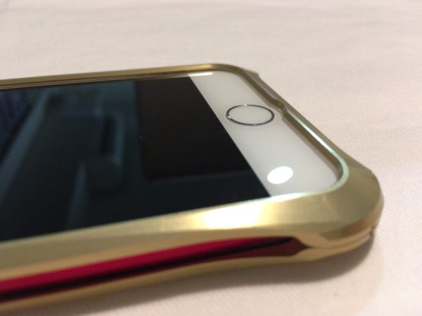 iPhoneバンパーのREAL EDGE