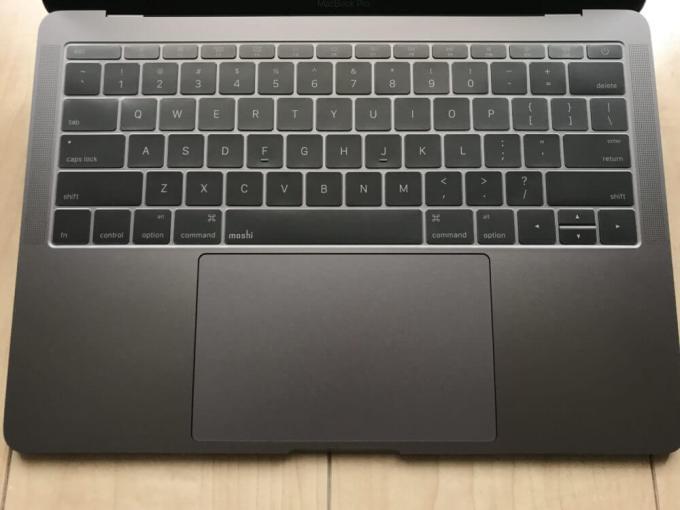moshiのMacBook Proキーボードカバー「Clearguard MB」