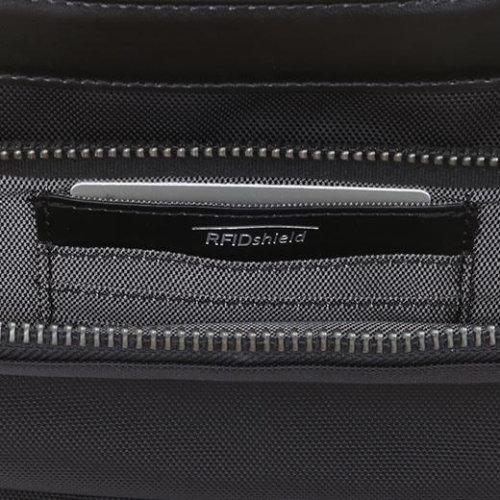 Effi-TecバックパックのフロントポケットにはRFIDシールド搭載