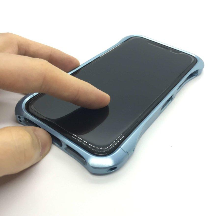Anker GlassGuard iPhone XS/X用表面には撥油コーティング