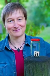Petra Fiedler hat die Spiele Vertellekes und Waldspaziergang entwickelt