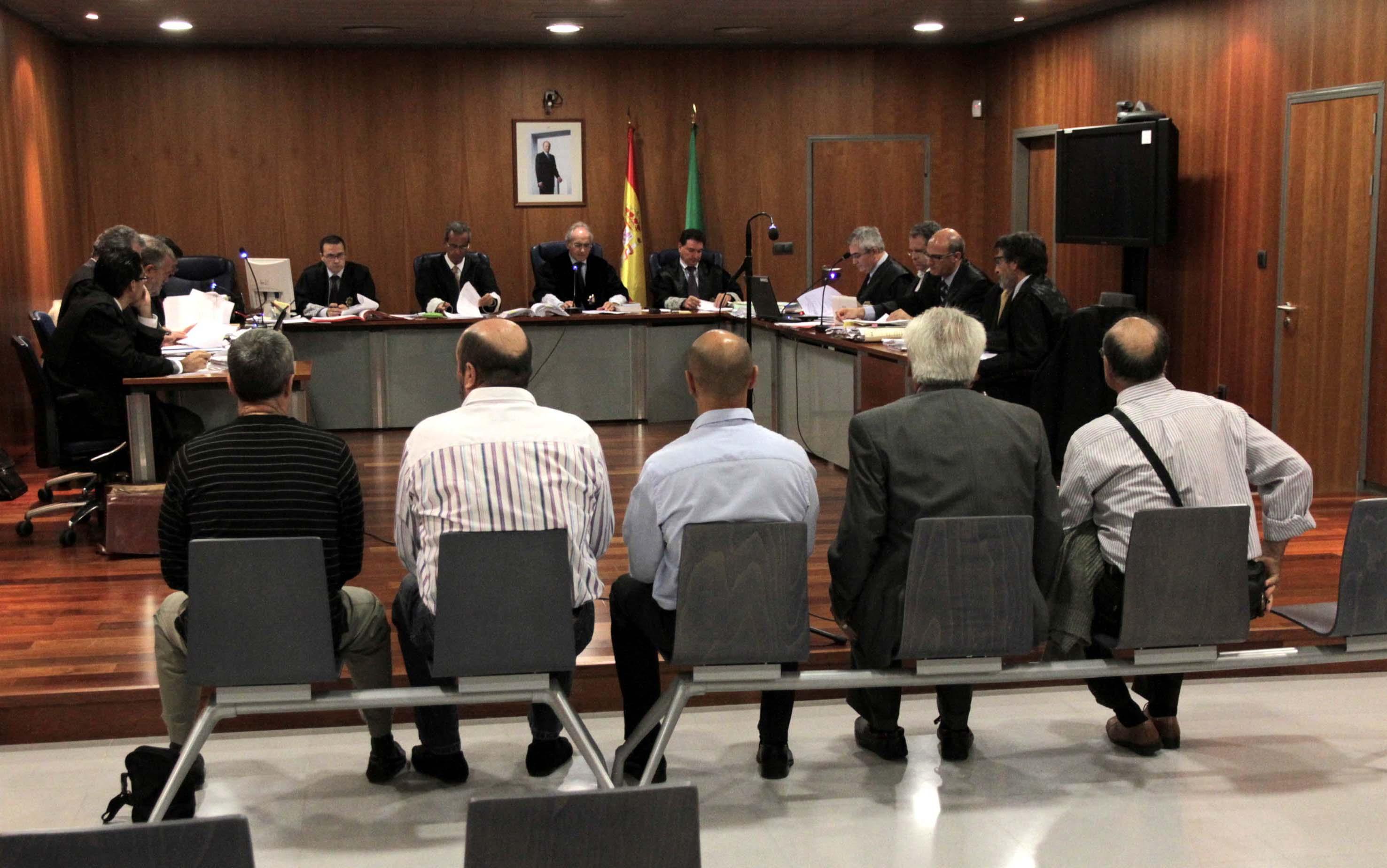 Nueva sesión del juicio por presuntos abusos sexuales en el CIE de Málaga