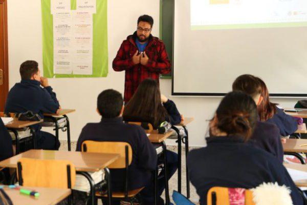 El voluntariado de Stop Rumores se estrena en varios talleres en centros escolares