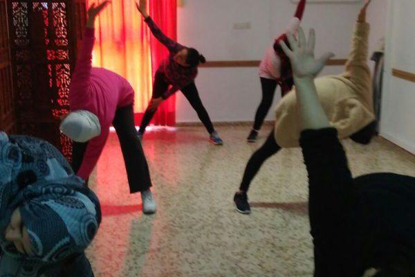 Un taller de yoga para nuestras mujeres de Fuengirola