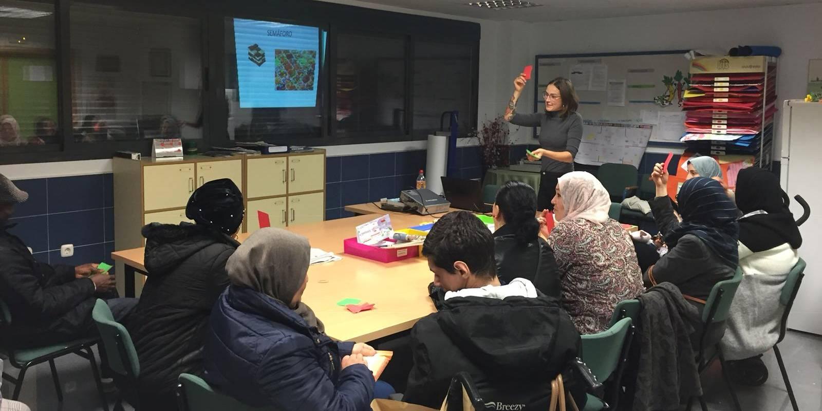 Los hábitos de vida saludable centran un taller para familias que apoyamos en Málaga