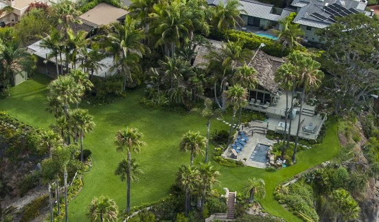 The home at 1101 Marine Dr, Laguna Beach is located on a bluff between Crescent Bay and Shaws Cove. ///ADDITIONAL INFORMATION: laguna.aerial Ð 07/16/15 Ð MARK RIGHTMIRE, THE ORANGE COUNTY REGISTER