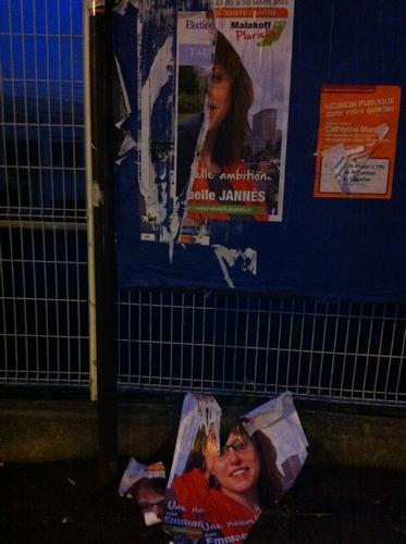 Les affiches de Malakoff Plurielle sont régulièrement arrachées