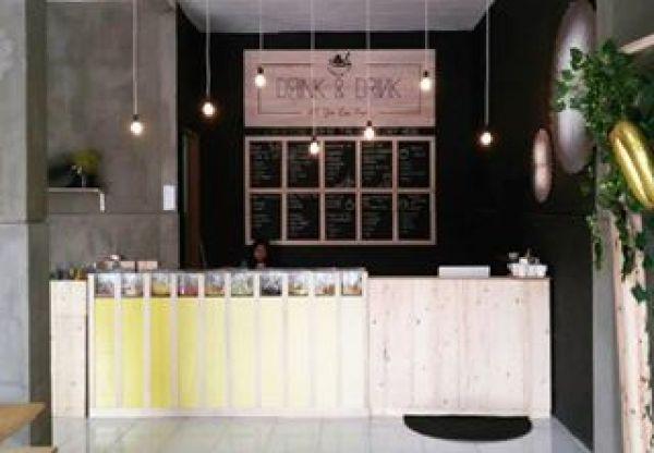 Drink & Drink Cafe