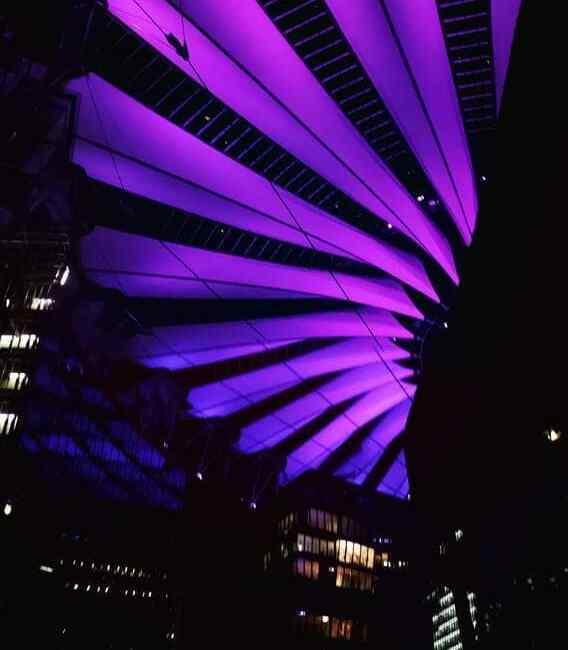 Ala magna – Iluminación de cubierta del Sony Center en Berlin
